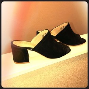 Black low block heels